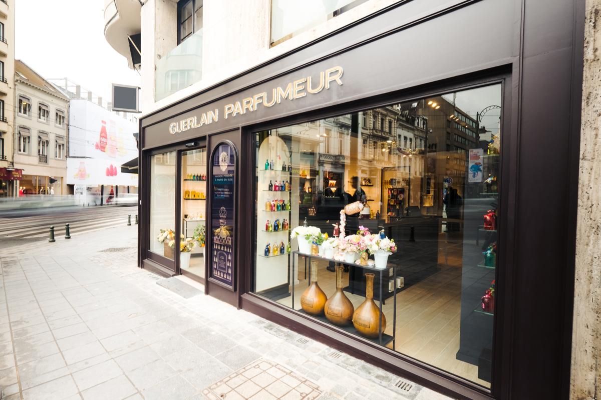 Store Parfums Sur – Mesure Guerlain Bruxelles Du À Ouverture Concept QBrdCexoW
